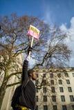 Marzo contra políticas del triunfo Imagen de archivo libre de regalías