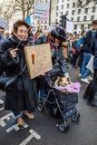 Marzo contra políticas del triunfo Foto de archivo libre de regalías