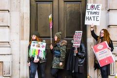 Marzo contra políticas del triunfo Imagen de archivo