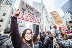 Marzo de 2017 para mujer NYC Fotografía de archivo