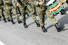 Marzo della banda di musica militare Fotografie Stock Libere da Diritti