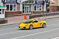 31 marzo 2015, Kiev, Ucraina Lamborghini Gallardo sulle vie di Kiev fotografie stock libere da diritti