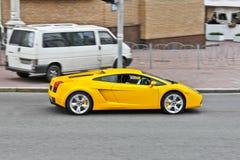 31 marzo 2015, Kiev, Ucraina Lamborghini Gallardo sulle vie di Kiev immagini stock