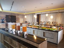 5 marzo Kuala Lumpir La prima colazione del buffet installata all'ibis disegna l'hotel Fotografie Stock