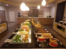 5 marzo Kuala Lumpir La prima colazione del buffet installata all'ibis disegna l'hotel Fotografia Stock Libera da Diritti