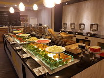 5 marzo Kuala Lumpir La prima colazione del buffet installata all'ibis disegna l'hotel Immagini Stock Libere da Diritti