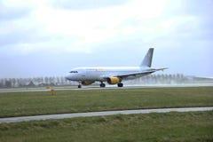 Marzo, 27mo 2015, aeropuerto EC-KMI Vueling Airb de Amsterdam Schiphol Foto de archivo