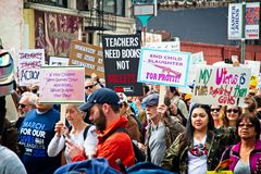 Marzo para nuestra marcha del ` s del movimiento de las vidas en Los Ángeles céntrico Imagen de archivo libre de regalías
