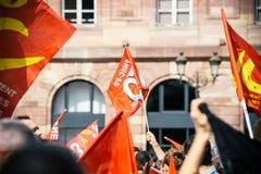 Marzo politico durante il giorno nazionale francese contro la La di Macrow Fotografia Stock