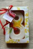 8 marzo regalo dolce del pan di zenzero Fotografia Stock Libera da Diritti