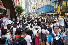 Marzos de Hong-Kong el 1 de julio Foto de archivo