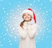Marzyć dziewczyny w Santa pomagiera kapeluszu Obraz Stock