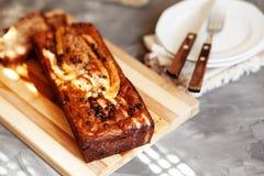 Masło bezpłatny i cukrowy bezpłatny bananowego chleba bochenek z owies mąką Weganinu tort dla zdrowej diety obraz royalty free
