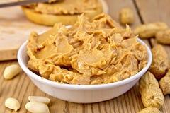 Masło arachid z chlebem na pokładzie Fotografia Royalty Free