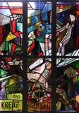 11mas estaciones de la cruz, crucifixión: Clavan a Jesús a la cruz Fotografía de archivo