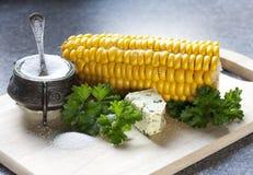 masła kukurydzanego ucho sól Zdjęcie Stock