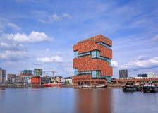 Mas Museum, iconische architectuur in het stadscentrum van Antwerpen, België Stock Afbeelding