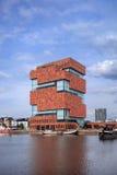 Mas Museum, iconische architectuur in het stadscentrum van Antwerpen, België Stock Foto's