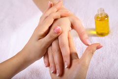 masaż dłoni Obrazy Royalty Free