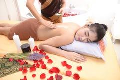 Masaż i zdrój: Tajlandzki masaż i zdrój dla skóry piękna i opieki Zdjęcie Stock