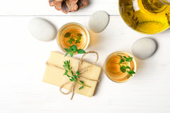 Masaż lub aromatherapy ustawiający: olej, kamienie i mydło, Fotografia Royalty Free
