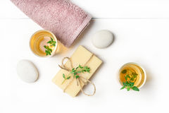 Masaż lub aromatherapy ustawiający: olej, kamienie i mydło, Obrazy Royalty Free