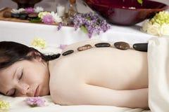 masażu gorący kamień zdjęcie royalty free