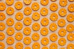 Masażu ortopedyczny dywan zamknięty w górę Udział pomarańczowi pierścionki abstrakcyjny t?o zdjęcia royalty free