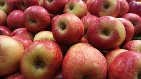 Masa czerwony jabłko & x28; closeup& x29; Obraz Stock