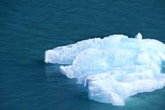 Masa de hielo flotante de hielo Imágenes de archivo libres de regalías
