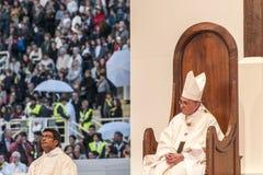 Masa santa con papa Francisco Fotos de archivo libres de regalías