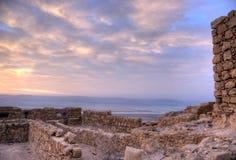 Masada堡垒和死海 免版税库存照片