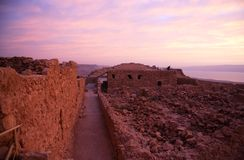 Masada堡垒和死海 图库摄影