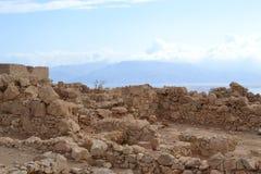 Masada - старое городище, крепость пустыни Herod в пустыне Judean, взгляде мертвого моря, Израиля стоковая фотография