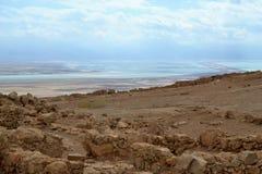 Masada - старое городище, крепость пустыни Herod в пустыне Judean, взгляде мертвого моря, Израиля стоковые фото