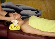 Masage in una STAZIONE TERMALE Fotografia Stock