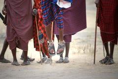 Masai hoppar royaltyfri bild