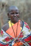 MASAI MARA, KENIA - septiembre, 23: Mujer joven del Masai en Septembe Imagen de archivo libre de regalías