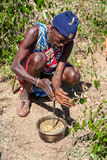 MASAI MARA, KENJA, AFRYKA FEB 12 Masai szaman jest Obrazy Royalty Free