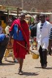 Masai plemienia mężczyzna w Afryka tradycyjni ubierający ludzie Obrazy Royalty Free
