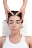 Masaje de la cara y de la pista en el balneario Imagen de archivo