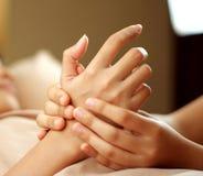 Masaje de la mano Imagen de archivo libre de regalías