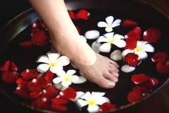 Masaje del balneario del pie imágenes de archivo libres de regalías