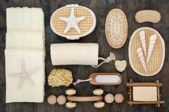 Masaje del balneario y accesorios del cuarto de baño Imagenes de archivo