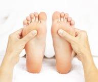 Masaje del pie Imagen de archivo libre de regalías