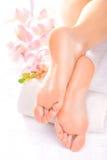 Masaje del pie en el salón del balneario Foto de archivo libre de regalías