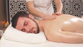 Masaje del tratamiento para el cuerpo completo forma de vida sana de la ventaja del hombre metrajes
