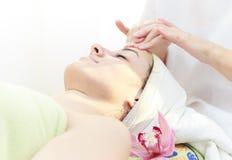 Masaje facial Fotos de archivo libres de regalías