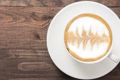 Masala chai с специями циннамоном, кардамоном, имбирем, гвоздичным деревом и s Стоковые Изображения RF