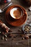 Masala do chá de Chai com especiarias imagem de stock